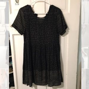 Black simple short sleeve dress